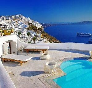 where-to-stay-in-santorini-for-summer-vacation